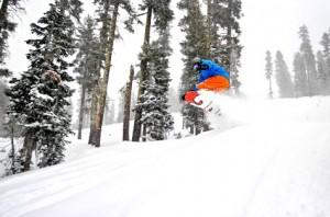 Bear Valley snowboarder