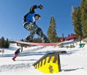 How to avoid snowboarding injuries