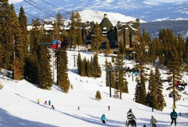 Ritz-Carlton, Lake Tahoe offering ski-and-stay packages
