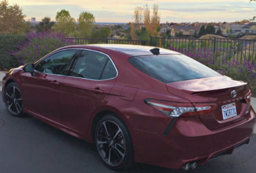 2018 Toyota Camry features attractive exterior