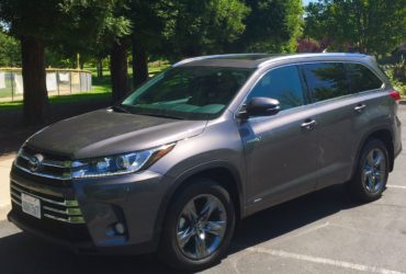 2018 Toyota Highlander excellent midsize SUV