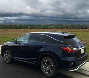 2019 Lexus RX 400hL accommodating SUV